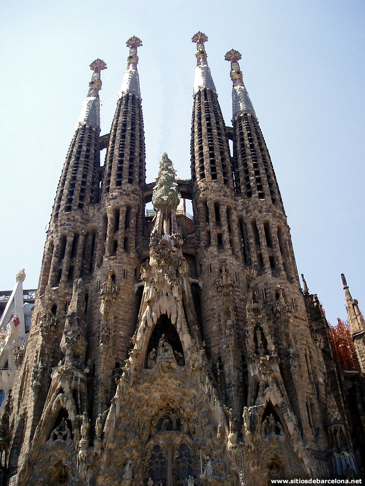 Antoni gaud p gina 4 sitios de barcelona for De la sagrada familia