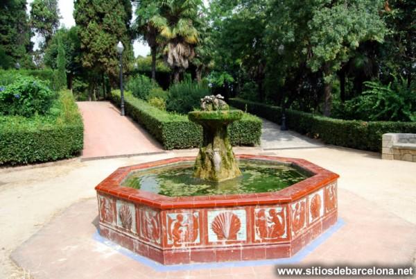 Font de cer mica de lloren artigas sitios de barcelona for Jardines laribal