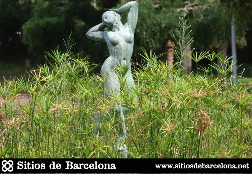 Figura de la bella Driade, ninfa protectora, obra del escultor Ricard Sala